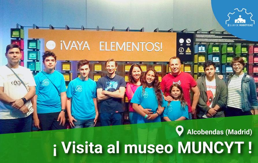 El club de robótica asiste al museo MUNCYT